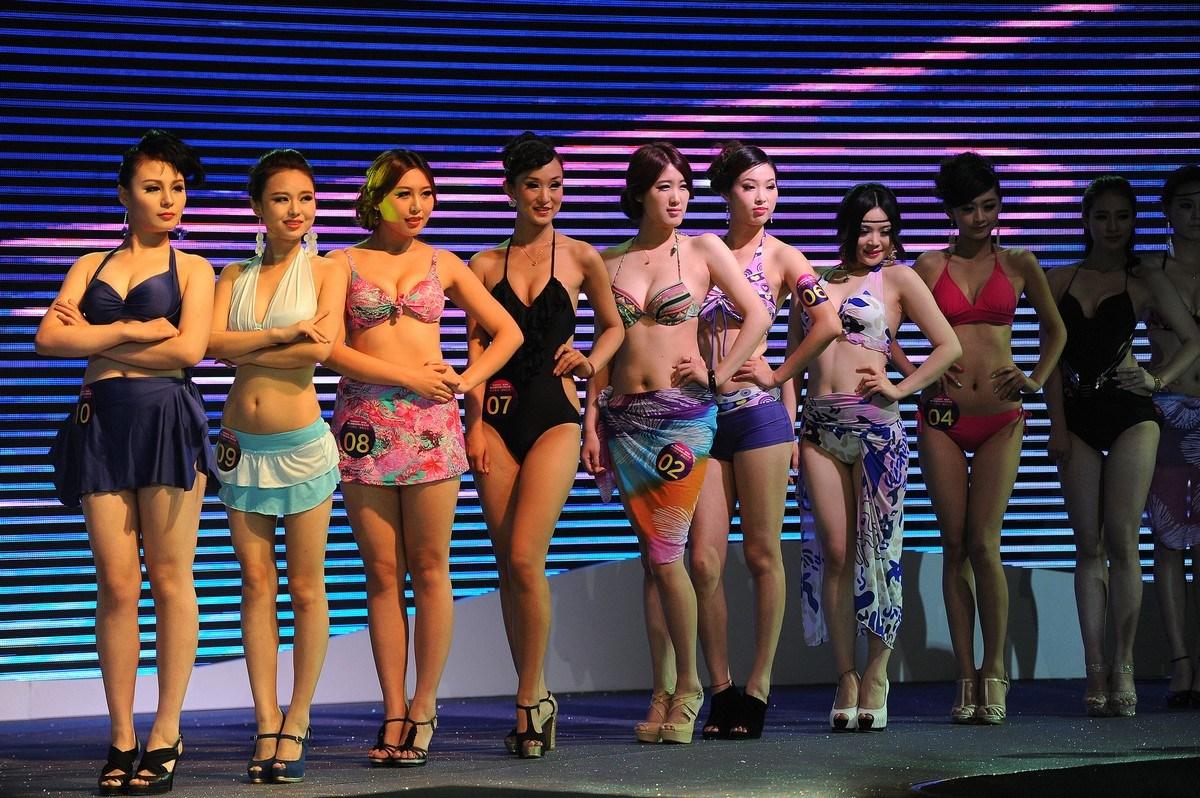 安徽合肥举行国际胸模大赛