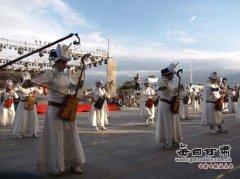 肃北县那达慕民族风情旅游节昨晚开幕(图)